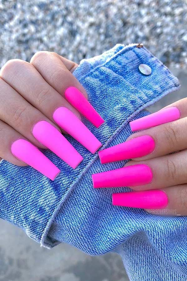 23 Neon Pink Nails and Ideas to Wear All Summer Long