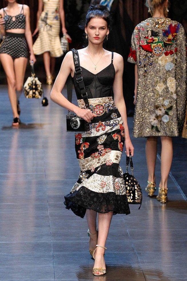 68c63279cc456 Coleção    Dolce   Gabbana, Milão, Verão 2016 RTW    Foto 10 ...