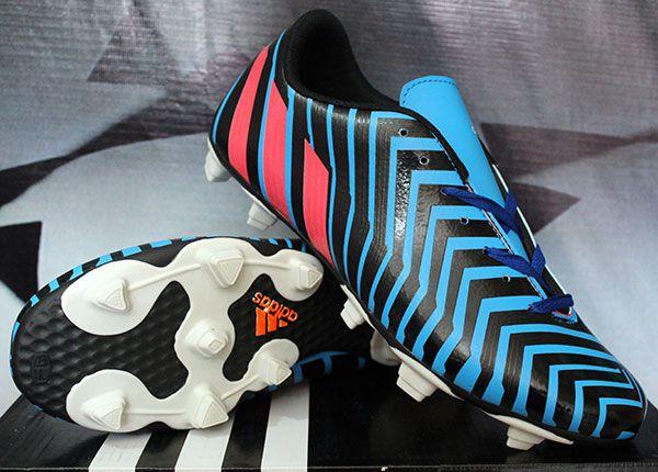 Detail Sepatu Bola Merek Adidas Predator Absolion Hitam Biru Kw