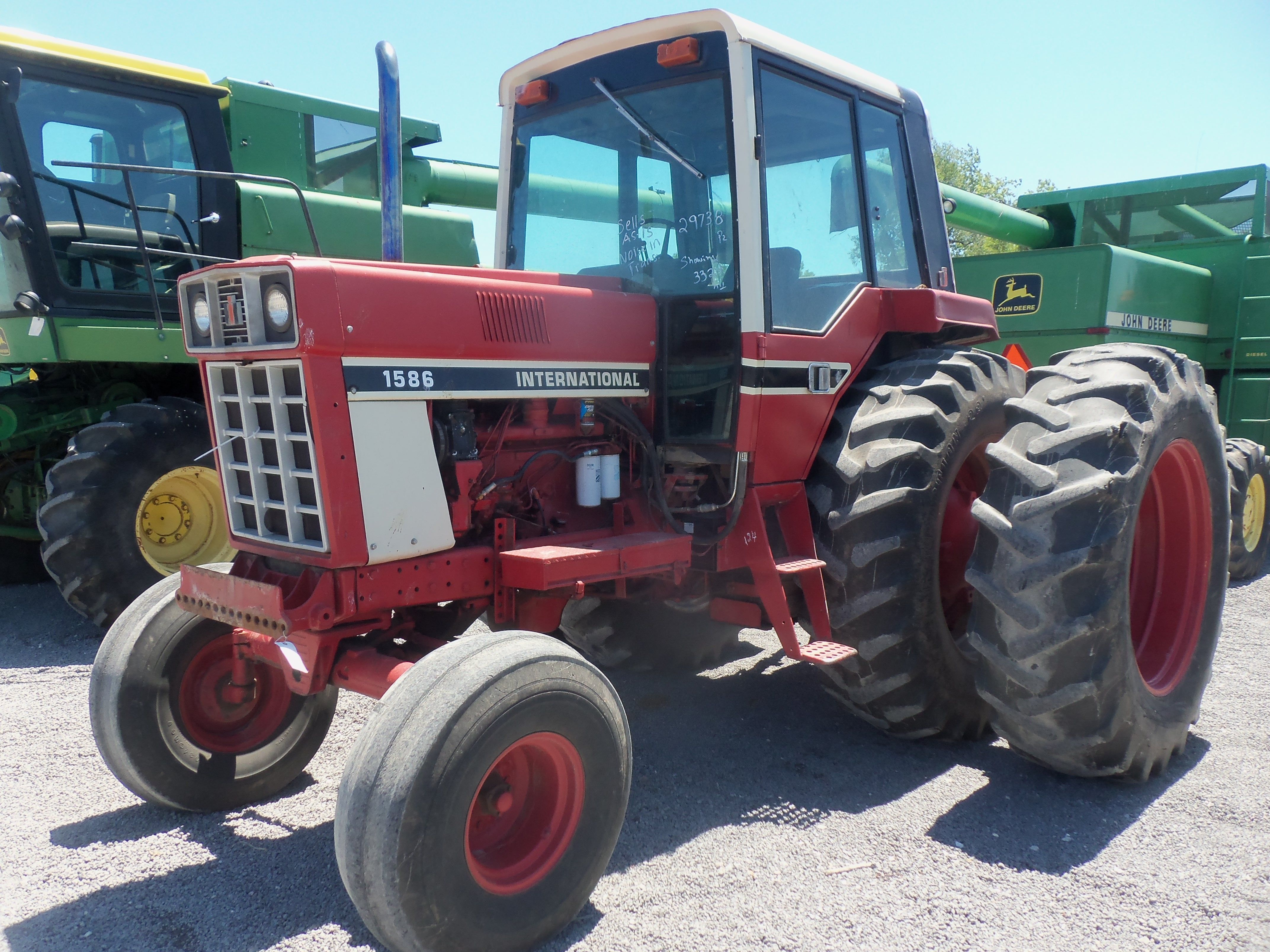 160hp INternational 1586 With Duals