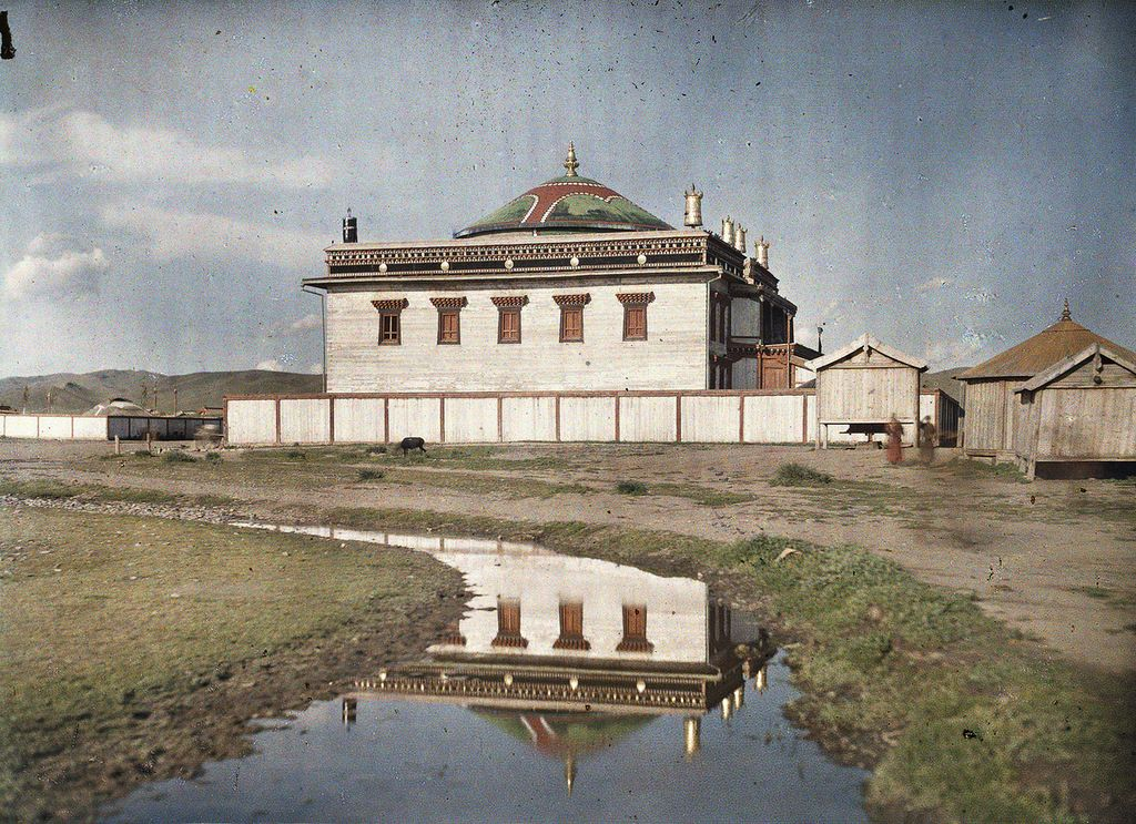 1913 a monastery in Khuree - Ulaanbaatar - Wikipedia, the free encyclopedia