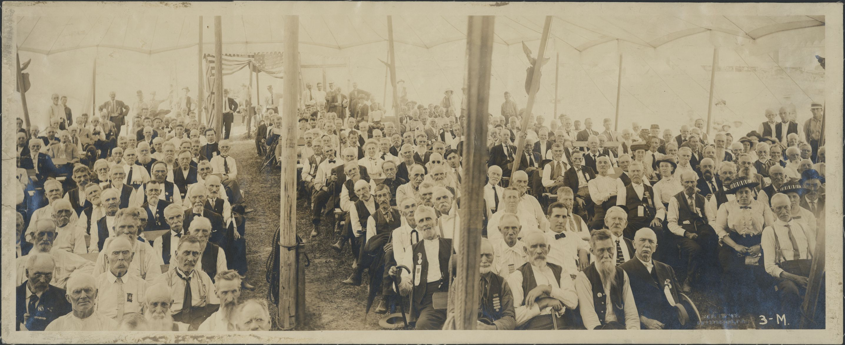 Gettysburg 1913 Reunion This Is The Iron Brigade Amazing Isn T It War Veterans American Civil War History Pictures