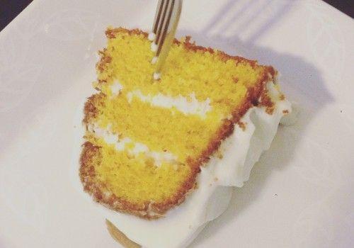Bolo de Cenoura com Cobertura de Cream Cheese