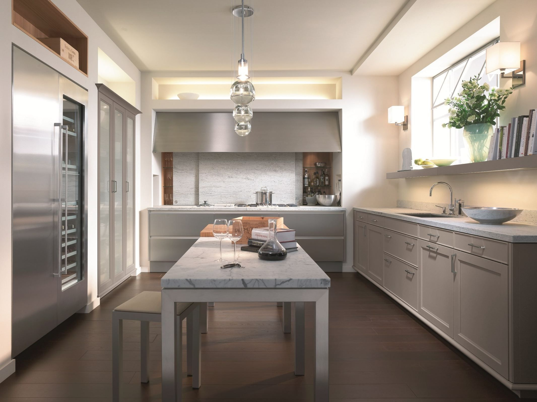 Love the floors kitchen Siematic Kitchens & Lacquered linear kitchen BEAUXARTS by SieMatic design Mick De ... kurilladesign.com