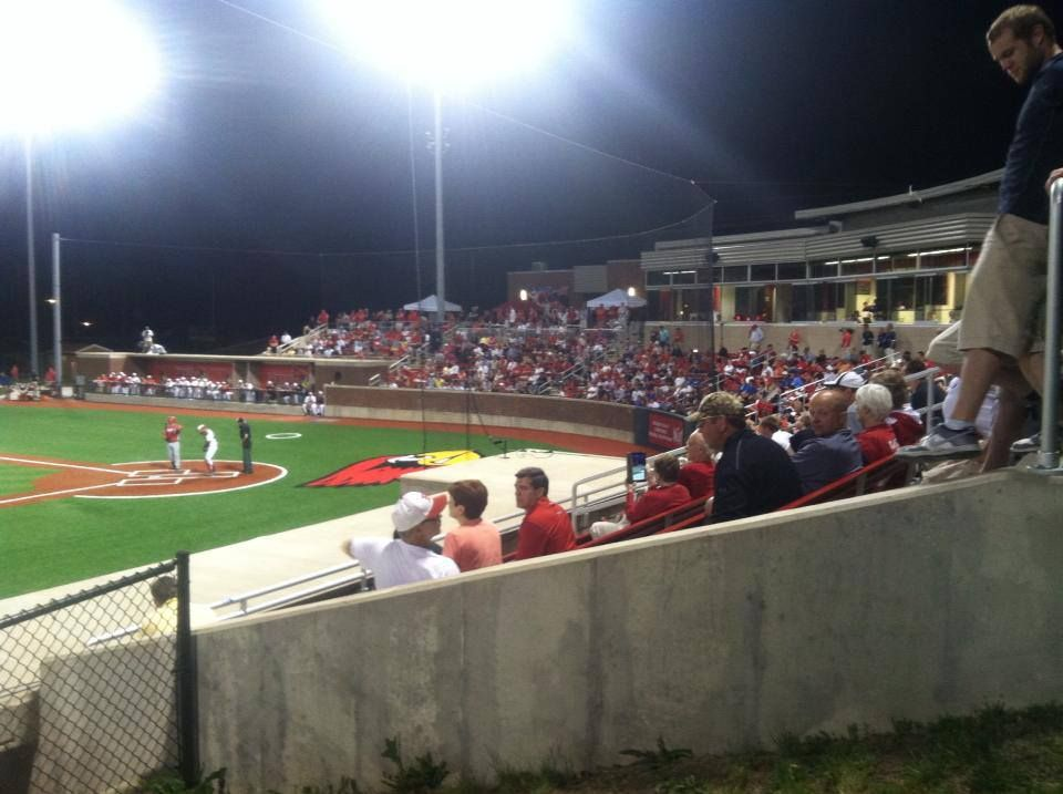 It Was A Packed House For Last Night S Opening Day Of The Mvc Tournament Redbird Baseball Beat Bradley 11 1 In 8 Inn Baseball Field Tournaments Illinois State