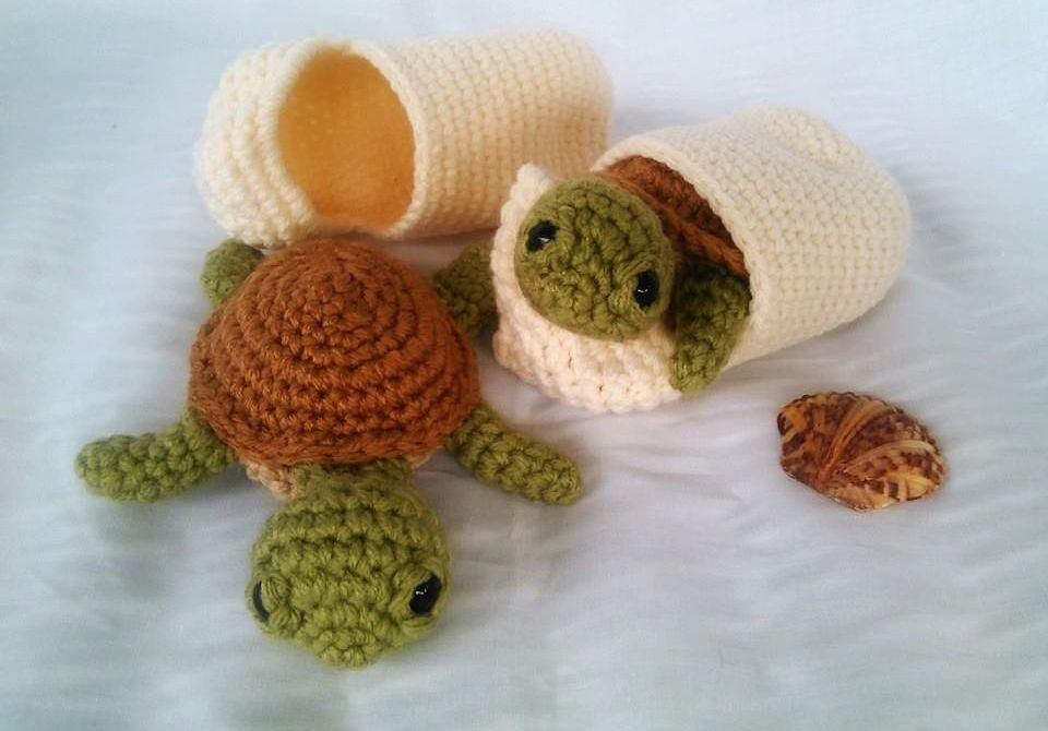 Free Amigurumi Sea Turtle Pattern : Baby sea turtle with shell crochet knitting basics and craft