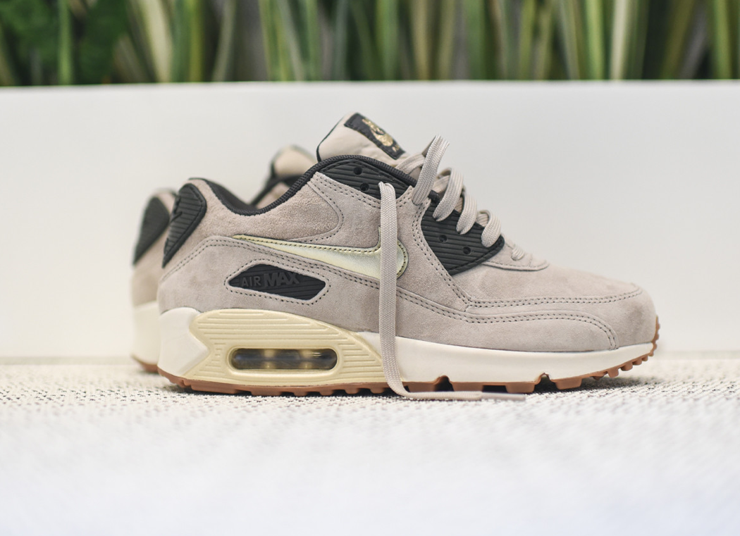 Nike Air Max 90 Appartements Beige En Daim Premium