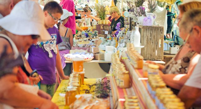 Craft Fairs and Art Shows 101: How to Effectively Sell Your Products
