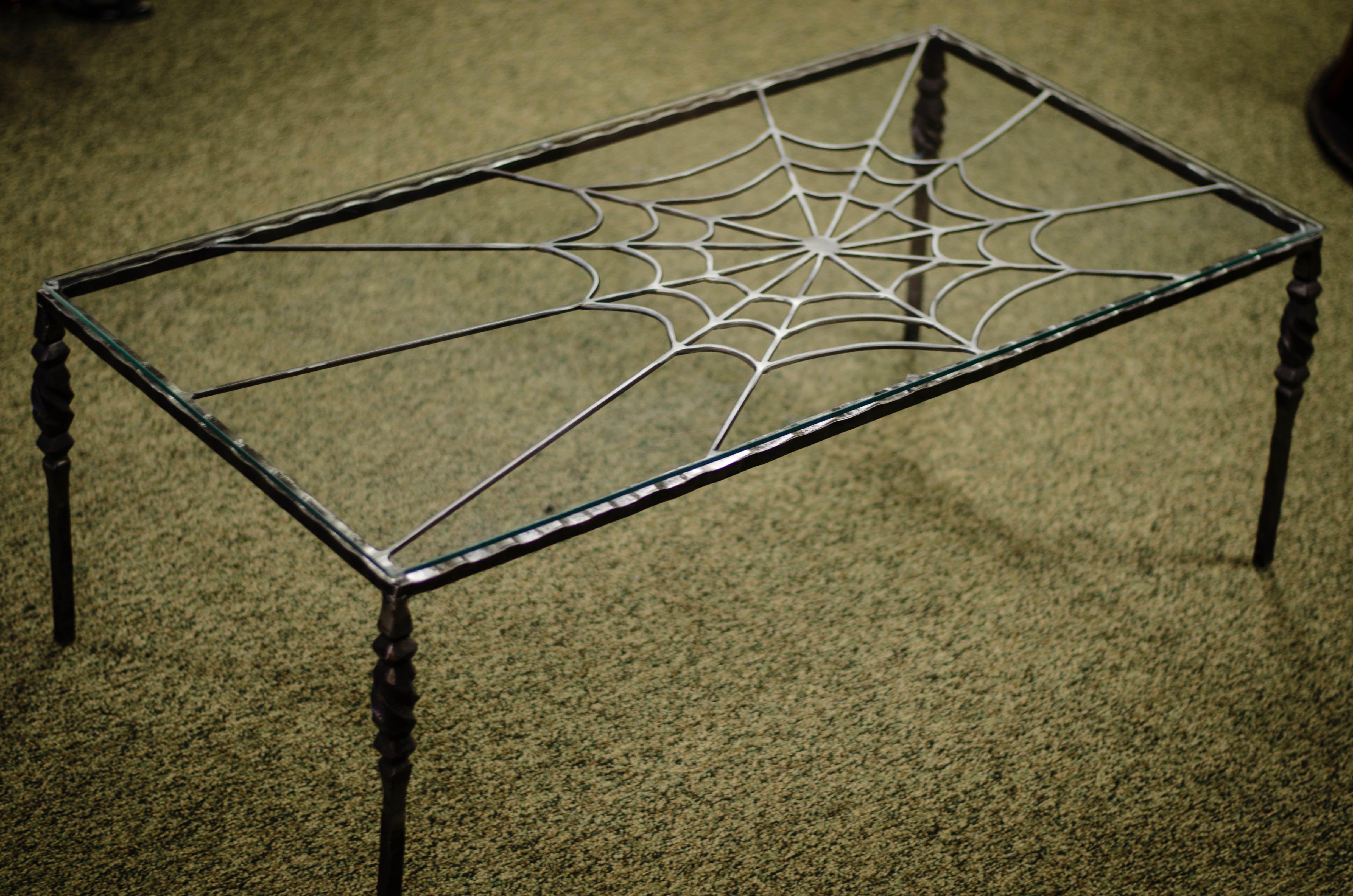 Spider web coffee table 275 barbiethewelder schrott schrott arbeit - Ausgefallene wohnzimmermobel ...