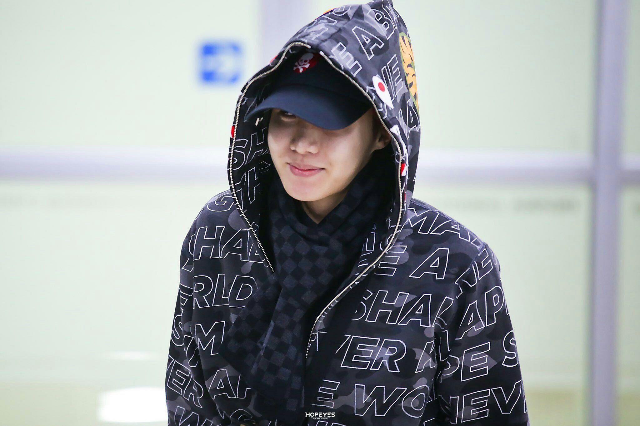 BTS J-hope | At Gimpo airport