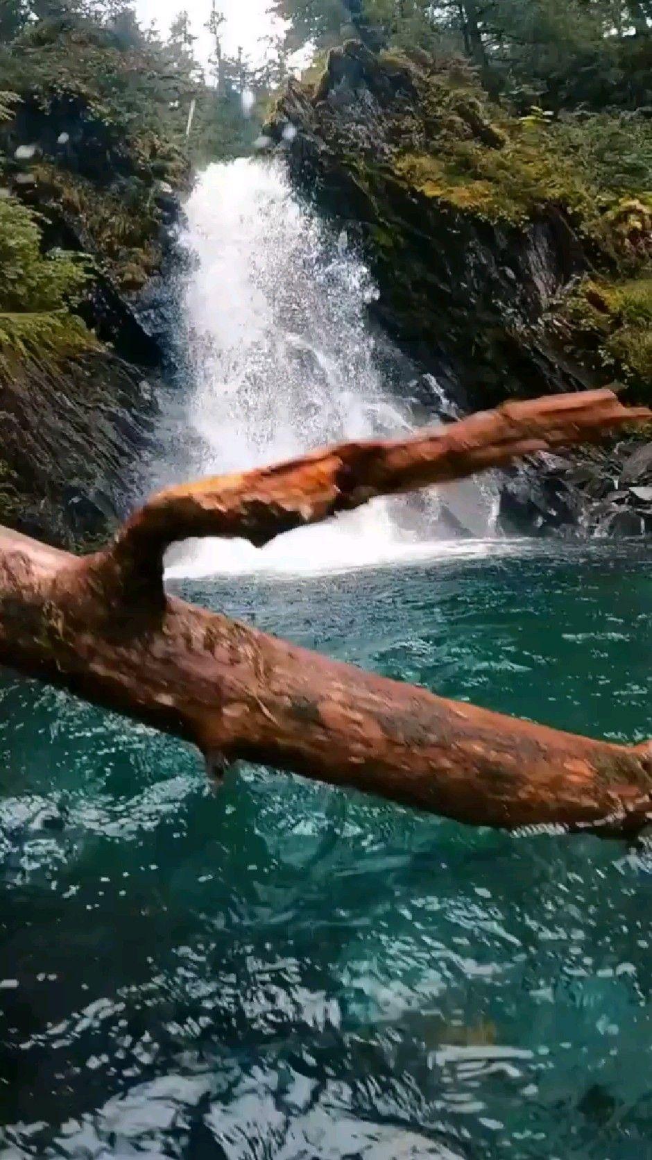 water fall 😂