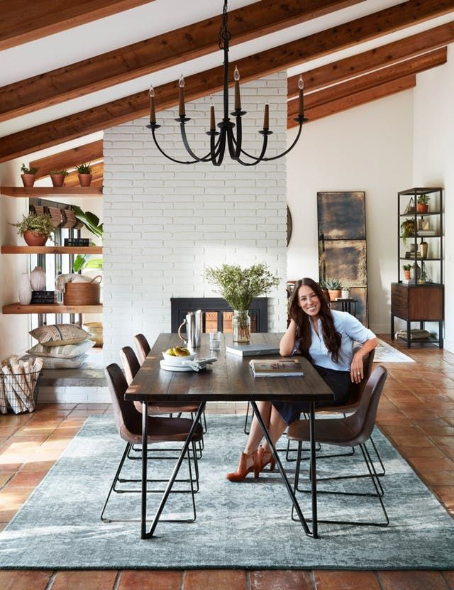 9 Decorating Ideas to Steal from Joanna Gaines is part of Living Room Rug Joanna Gaines - While she does have a very specific farmhouse style (with lots of white, shiplap, and oversized clocks), she also has plenty of range and great ideas