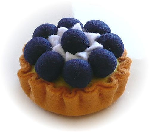 Pretend Play Kitchen - Blueberry Tart, in Felt by Hiromi Hughes, via Flickr