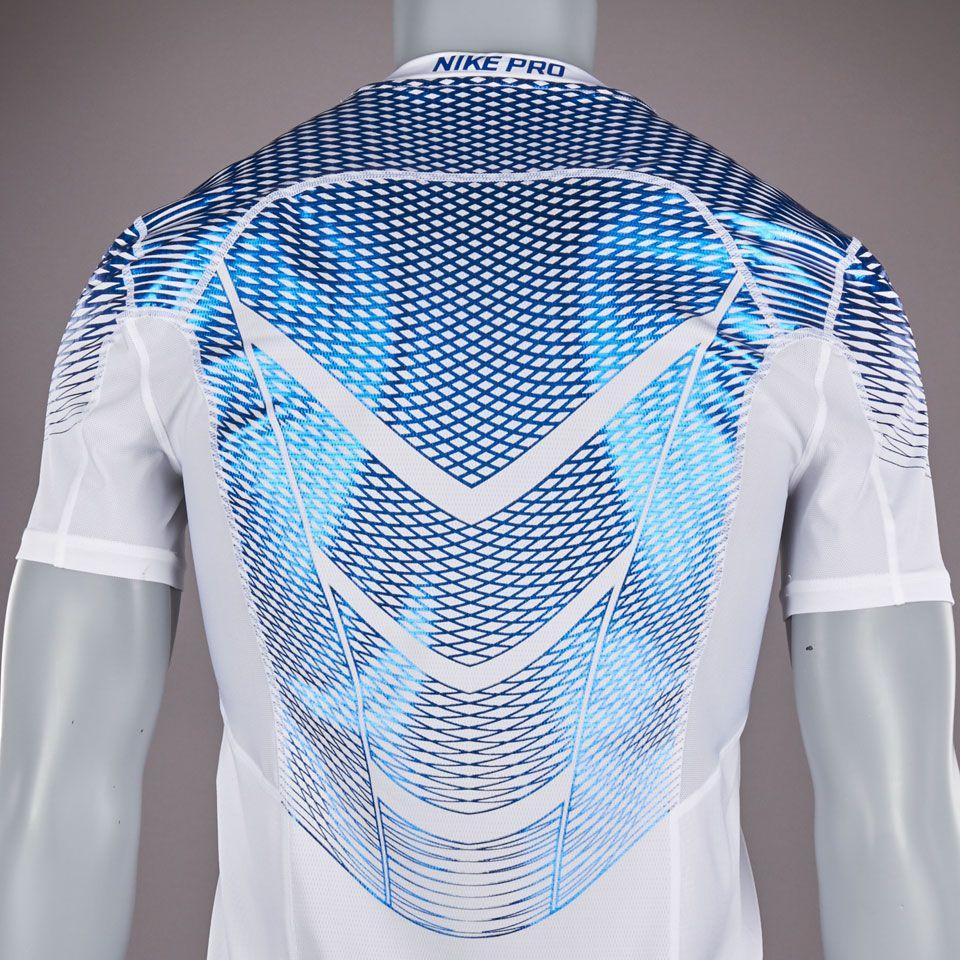 Camiseta Nike Hypercool Max ajustada-Blanco Azul metalizado  711f6109fe614