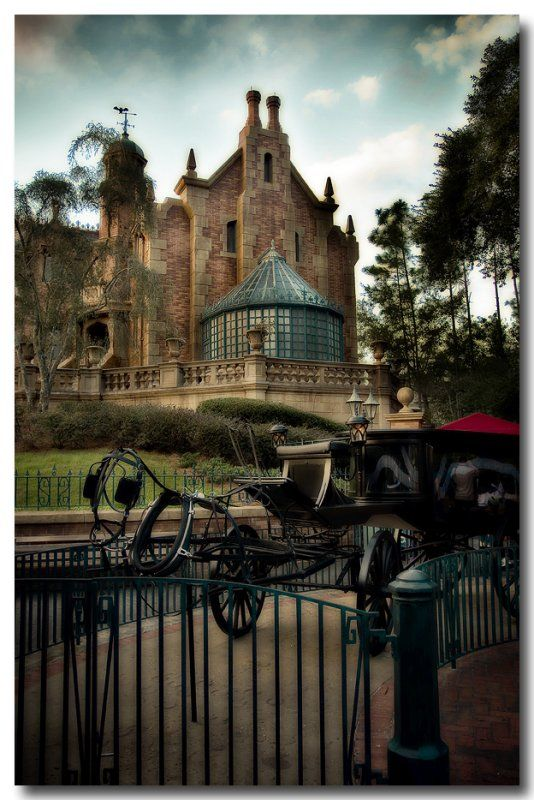 The Haunted Mansion One Of My All Time Favorite Attractions The