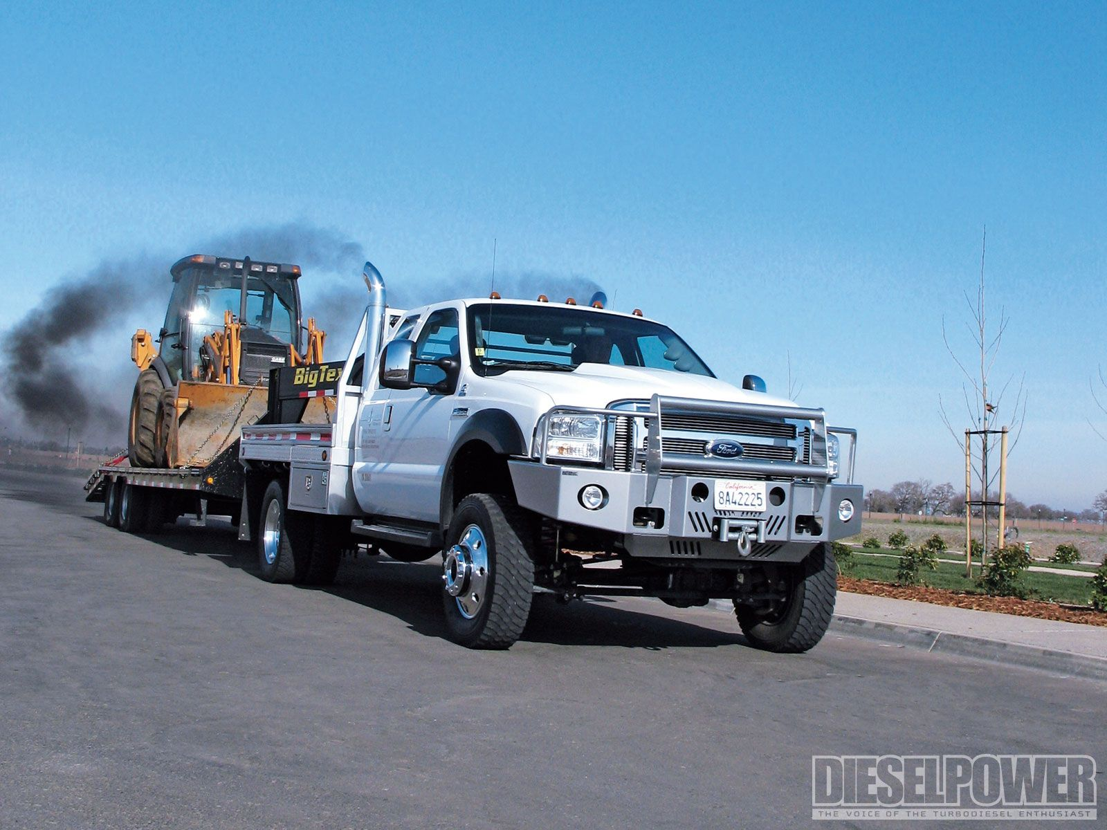 1302dp 01 towers guide to upgrading ford super duty towing tractor photo 1