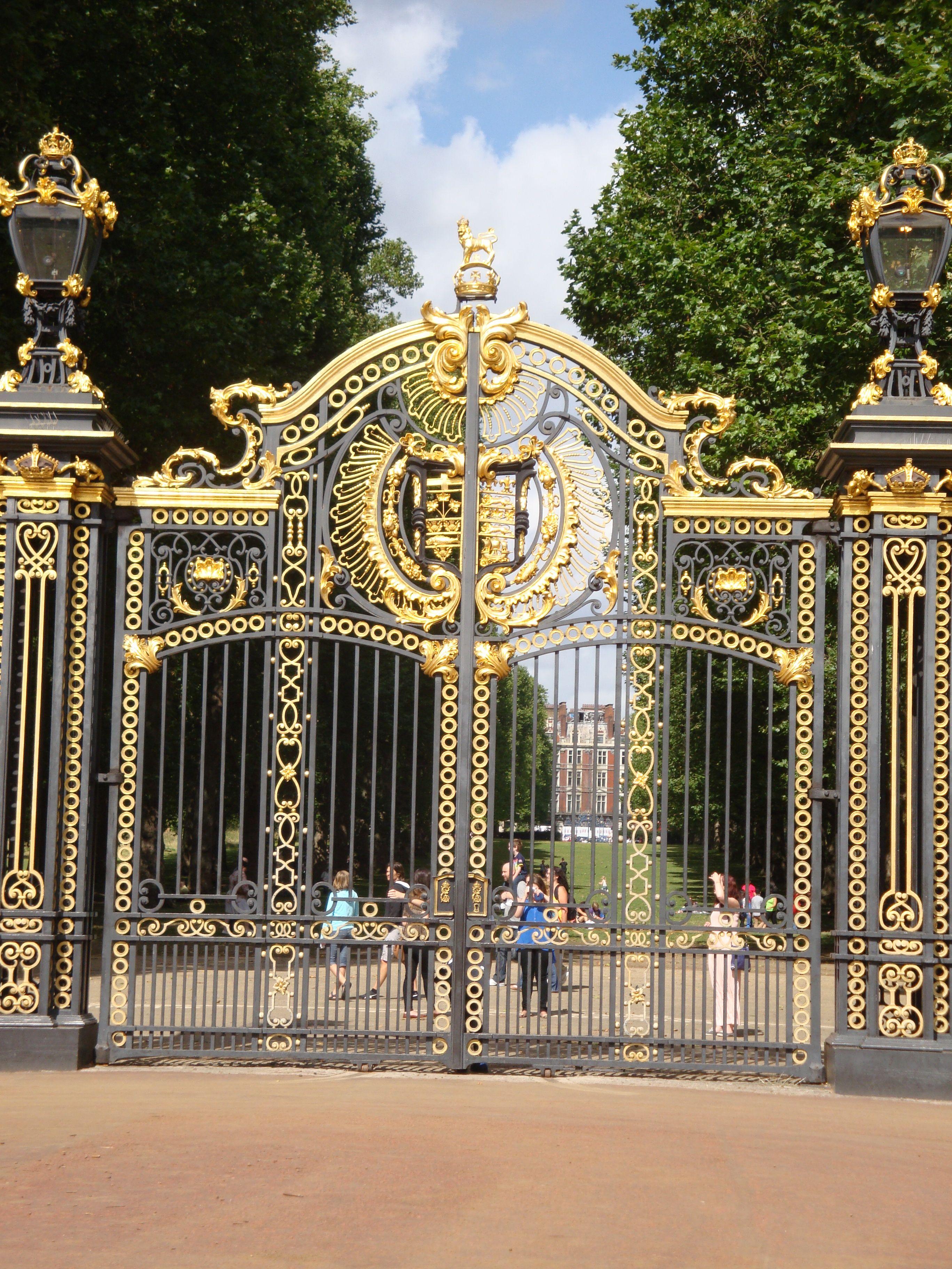 Pin By Sarah Veith On London Greatness London Park Buckingham Palace Dream City