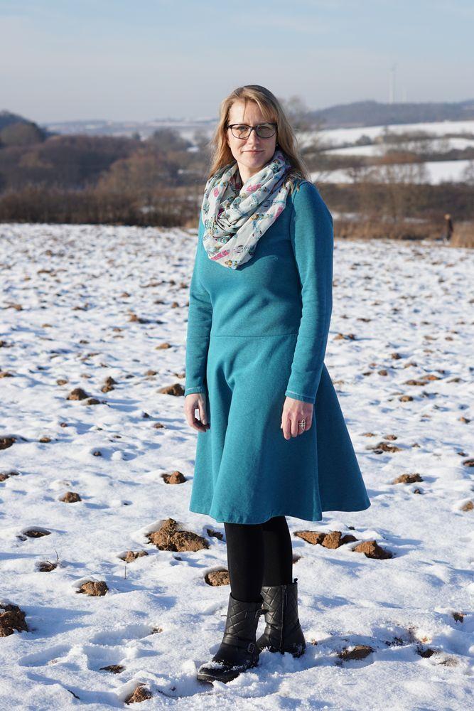 Foto zu Schnittmuster Basic Winterkleid für Damen von ki-ba-doo ...