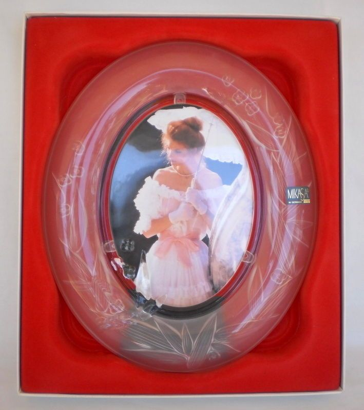 ELEGANT MIKASA West Germany ROMANTIQUE FROSTED CRYSTAL OVAL PICTURE ...