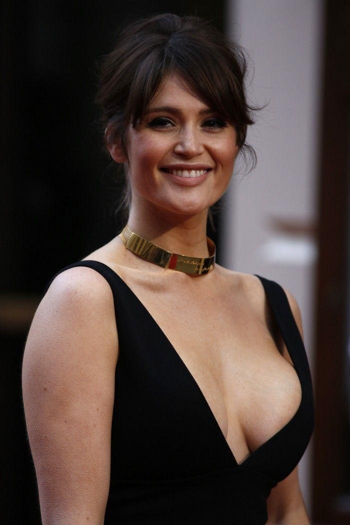 Gemma Arterton Ex James Bond Girl Est Superbe En Lingerie Bond