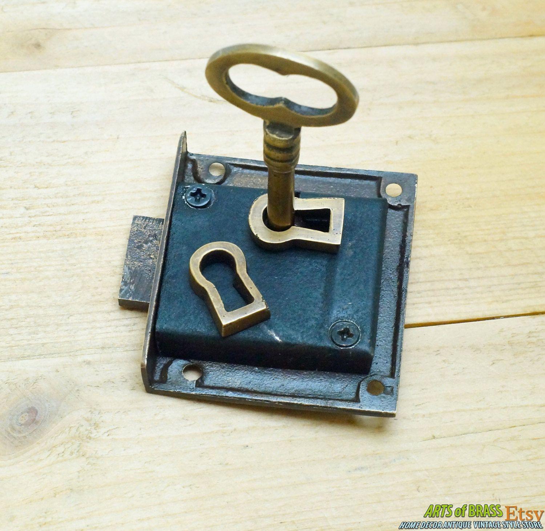 Set Vintage Skeleton KEY & LOCK with Escutcheon Key Hole Plate