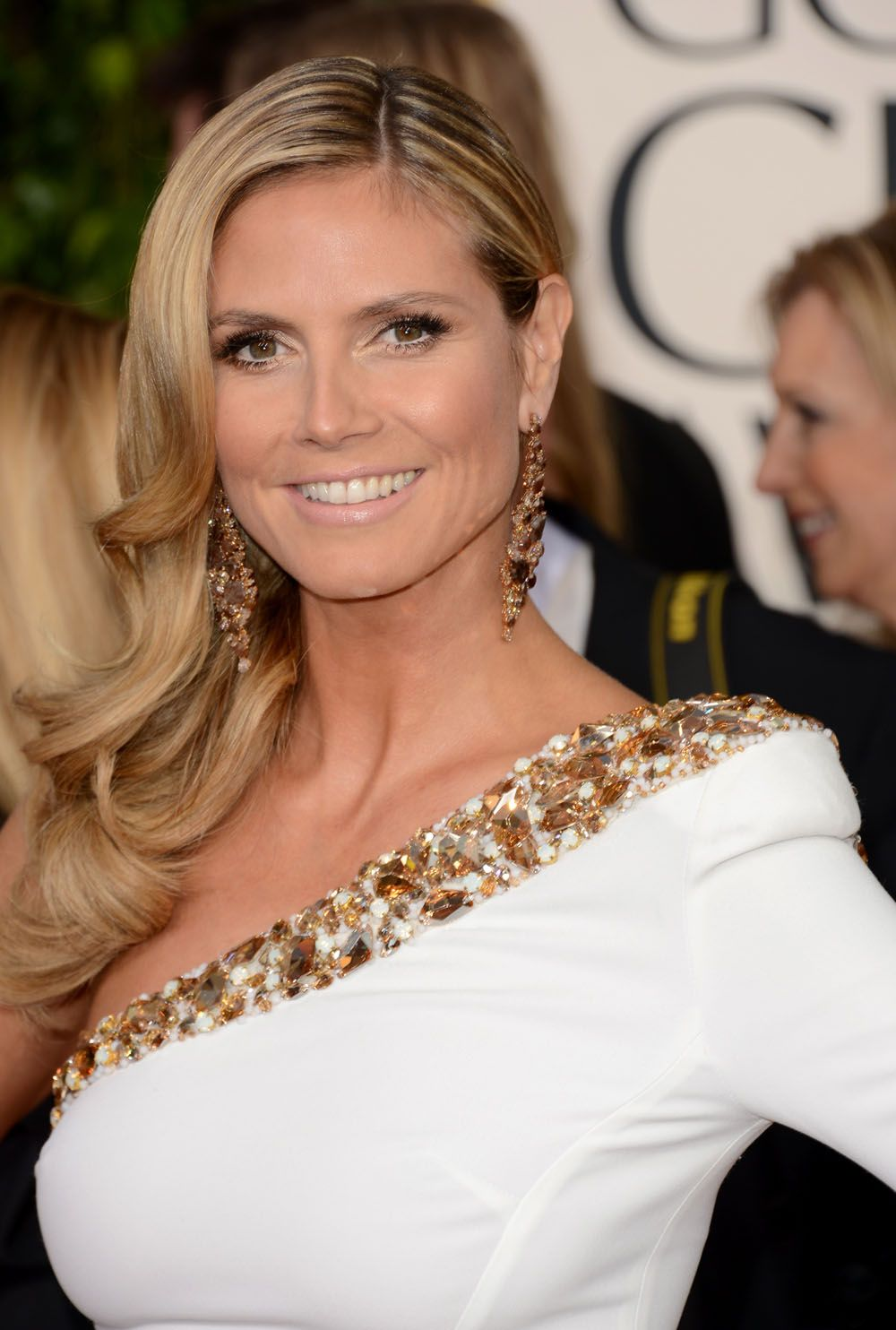 Discussion on this topic: 11 Heidi Klum Hairstyles: Classic Hairstyle, 11-heidi-klum-hairstyles-classic-hairstyle/