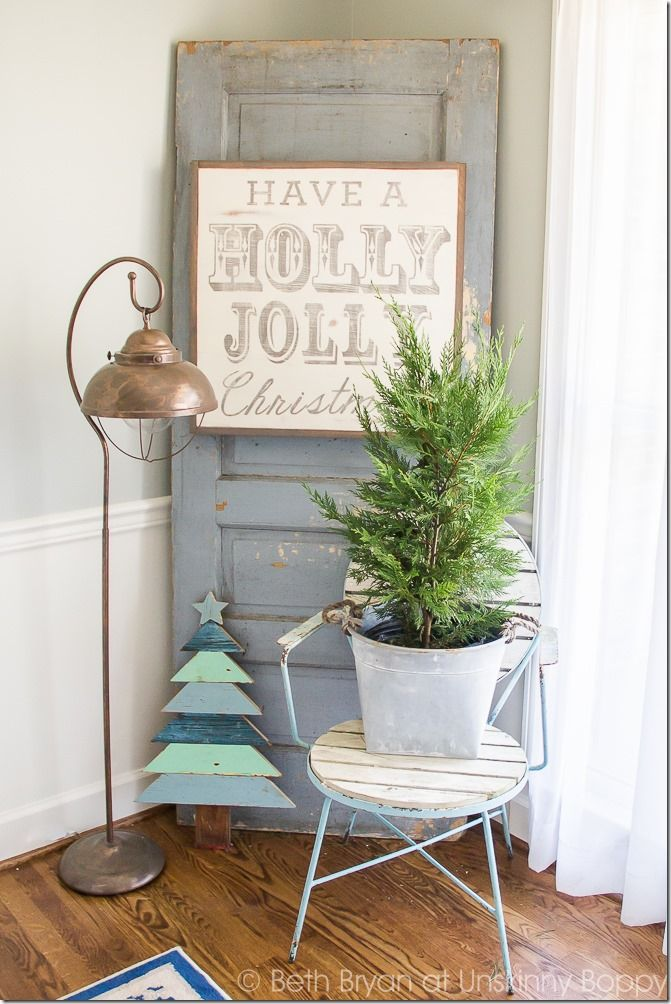 holiday decorations for the foyer and staircase great christmas decorating ideas inside this post - Christmas Decorating Ideas For Foyer
