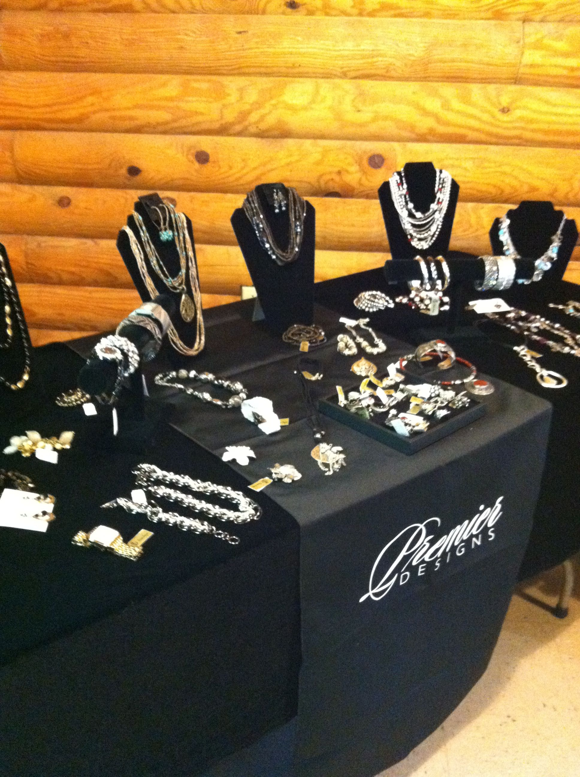 Stand Out Designs Jewelry : The black really makes jewelry stand out and i like