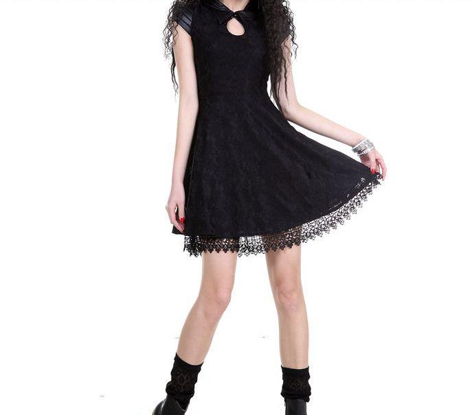Vestido-de-encaje-estilo-gotico(687×605)