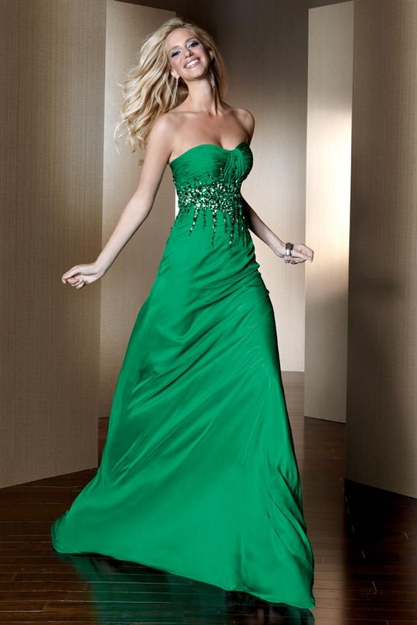 Los vestidos de coctel para boda en color verde están a la moda y ...