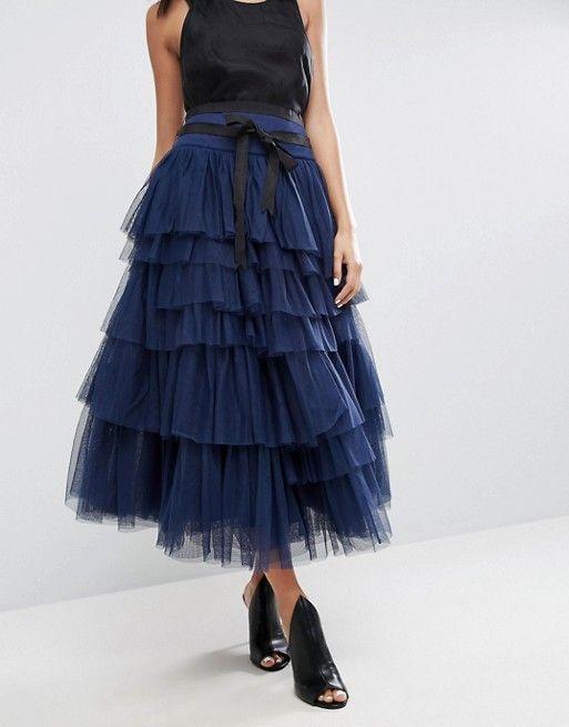 b6dcbb16ec Compra Falda de graduación midi de tul con capas y lazo a la cintura de ASOS  en ASOS. Descubre la moda online.