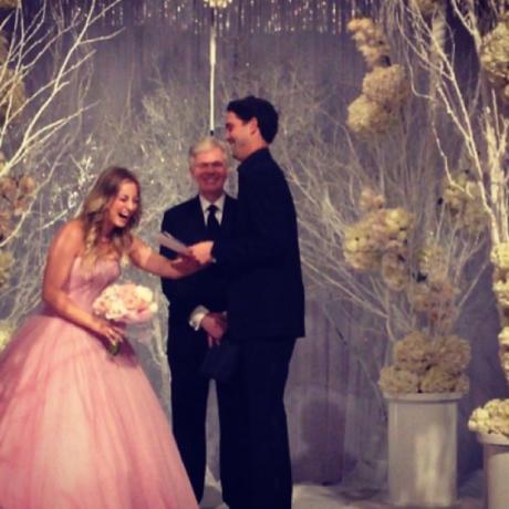 Kaley Cuoco Ryan Sweeting Wedding Flowers Bang Theory Penny