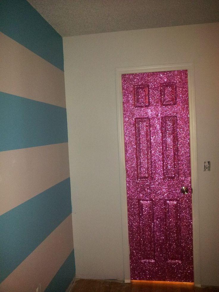 Glittery door google home pinterest for Glitter wallpaper bedroom ideas