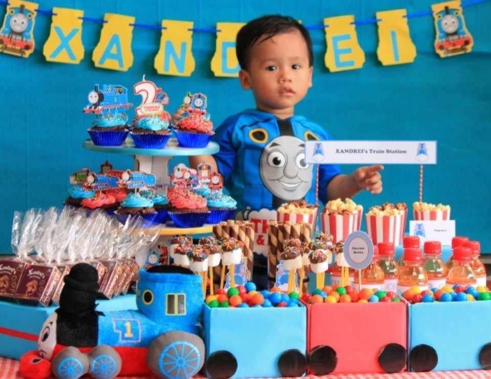thomas the train party birthday thomas train birthday party boy 39 s bday thomas train. Black Bedroom Furniture Sets. Home Design Ideas