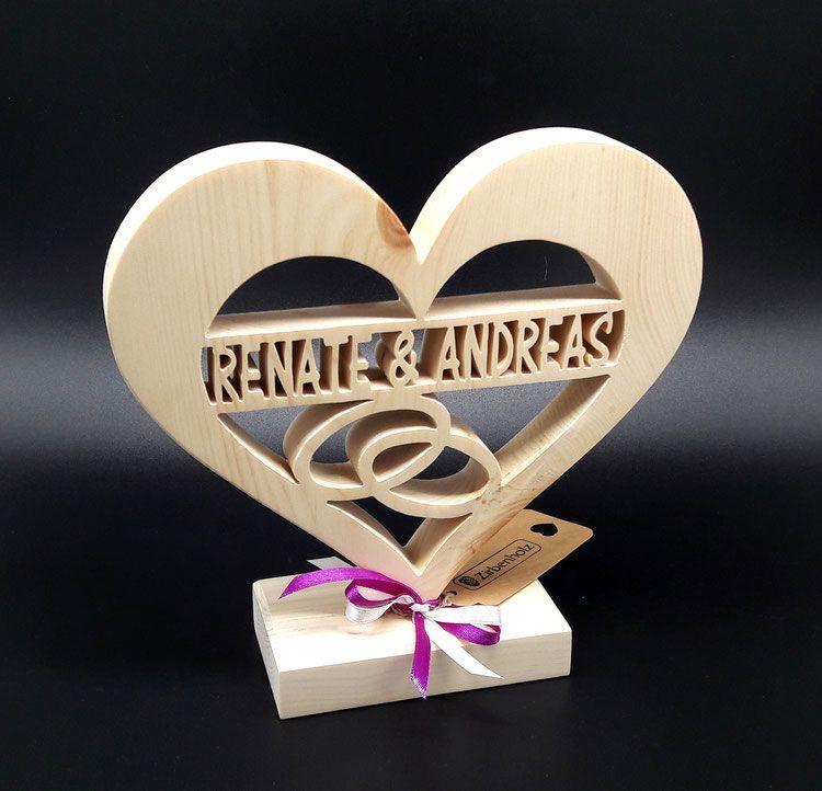Zirben Holz Herz mit Namen des Brautpaares als einzigartige ...