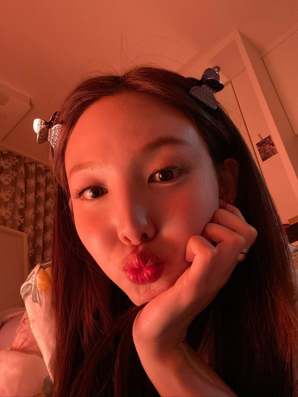 """nayeon archive on Twitter: """"omg, she's glowing. she shines more than the sun, i think if we have im nayeon"""