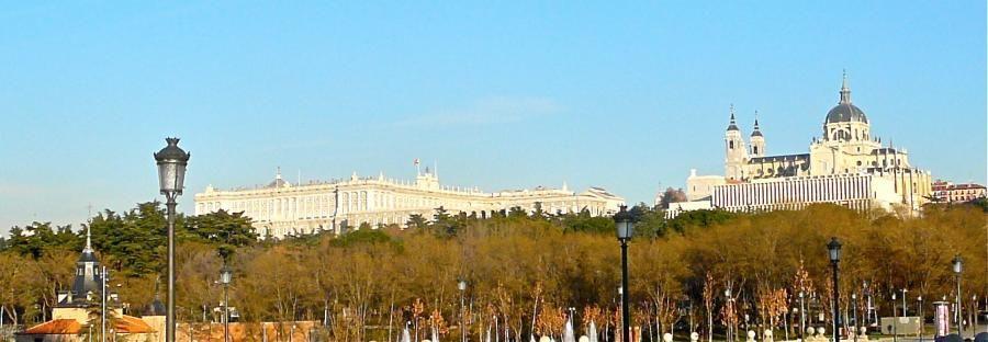 Palacio Real & Catedral de la Almudena in Madrid