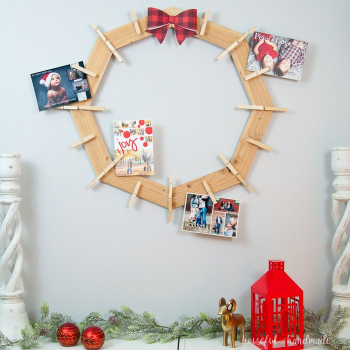 Lovely DIY Wood Christmas Card Wreath