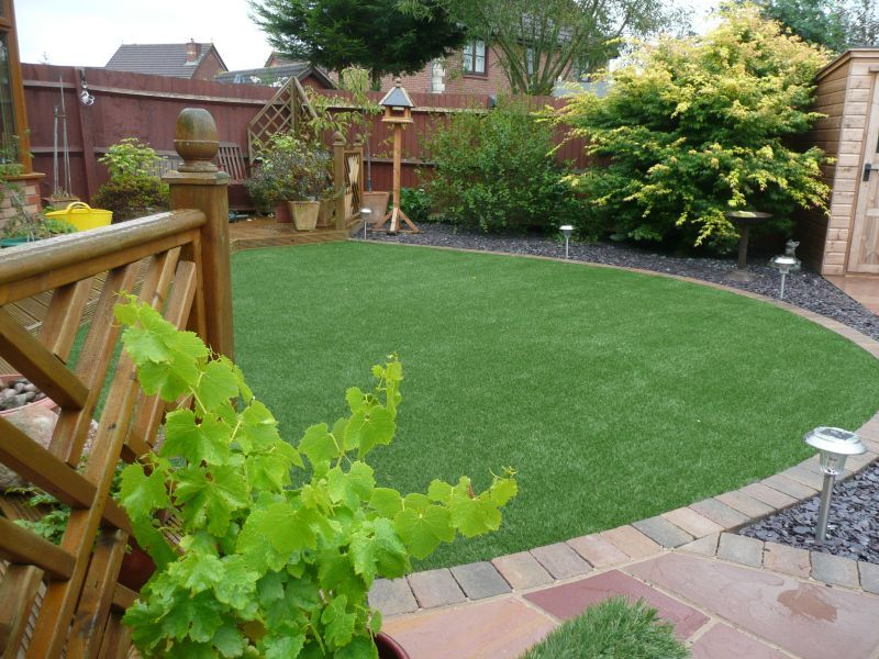 artificial grass lawn in circular design amazon artificial grass - Garden Design Circular Lawns