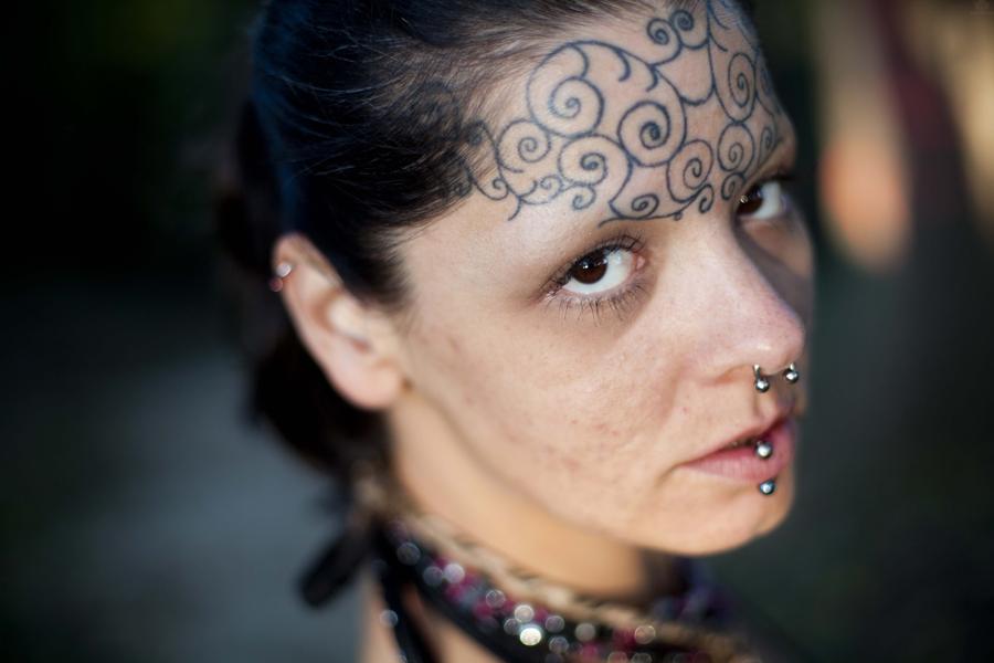 Tasteful and Distasteful Forehead Tattoos | Third eye ...