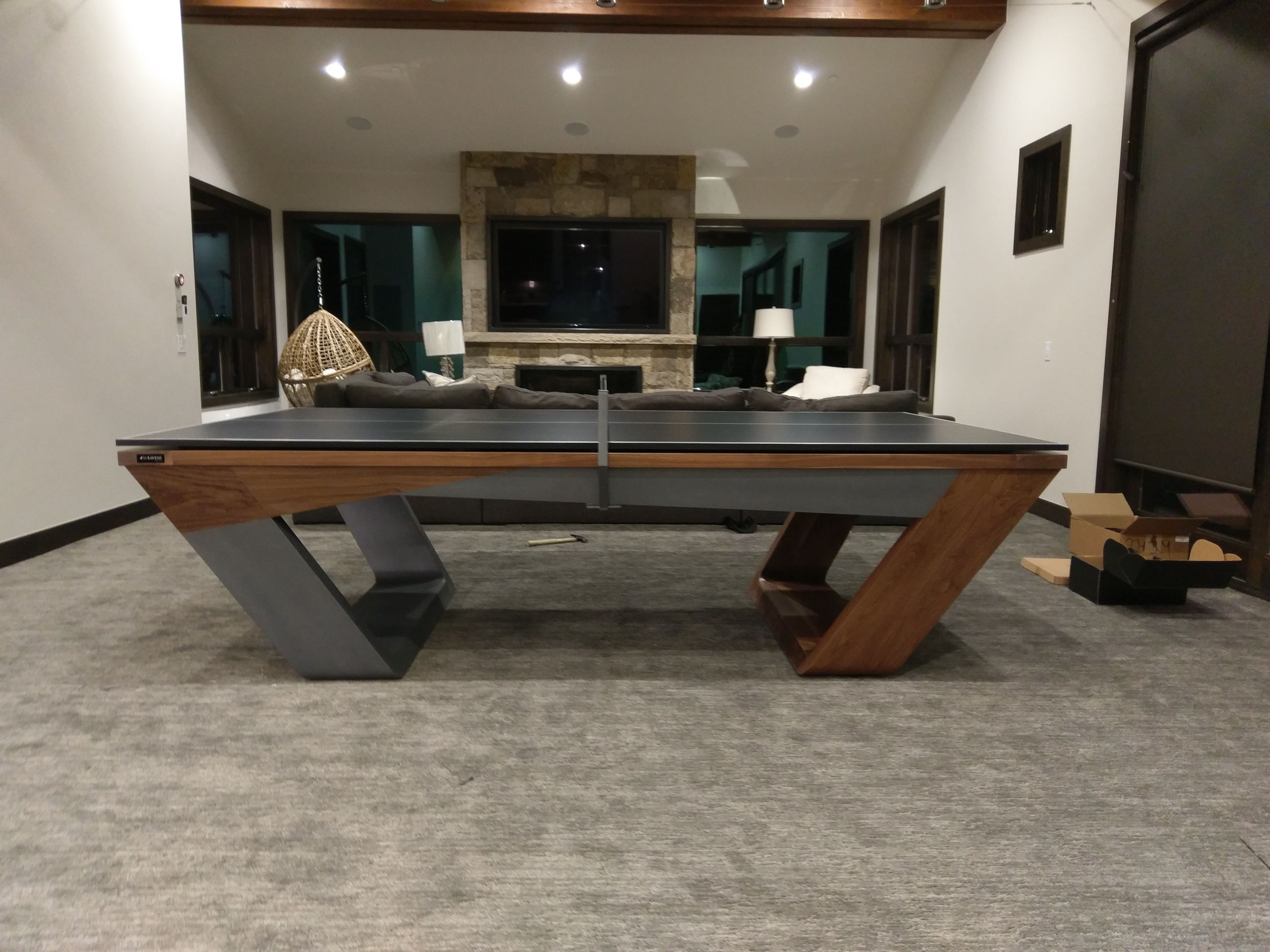 Fluid Lines And Visual Contours Create A Remarkably Uncomplicated Spirit And Aerodynamism In The Avettore A Magnum Modern Pool Table Modern Pools Table Design