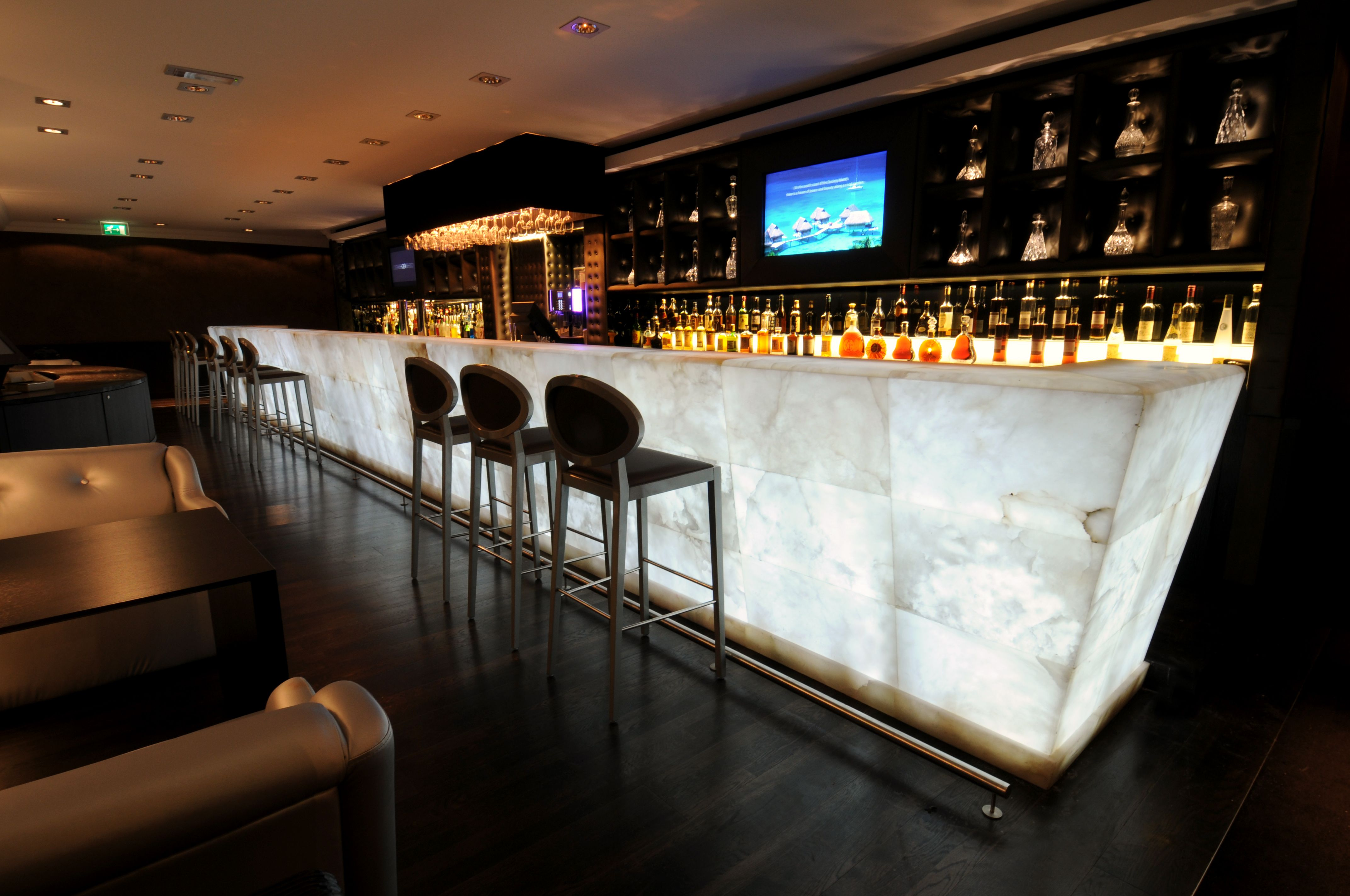 Pure White Of Backlit Alabaster Counter Bar