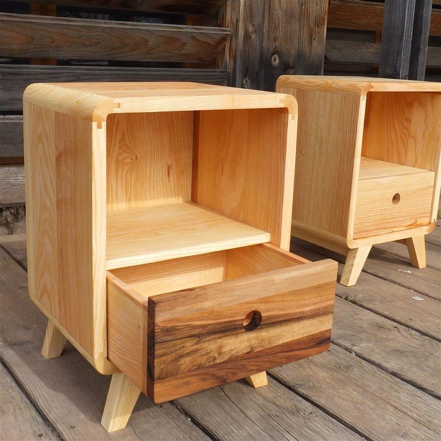 table de chevet avec tiroir en fr ne et noyer bulle bois. Black Bedroom Furniture Sets. Home Design Ideas