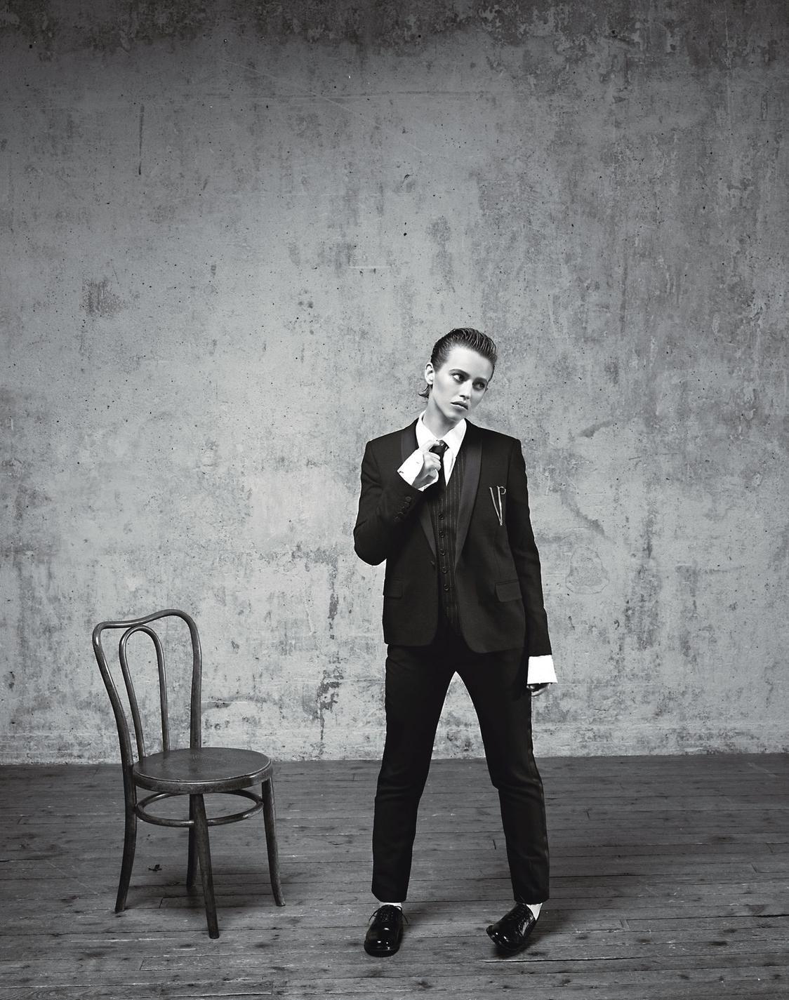 Lou deLaâge fait son entrée dans la cour des grandes - Madame Figaro France November 2015 - Saint Laurent
