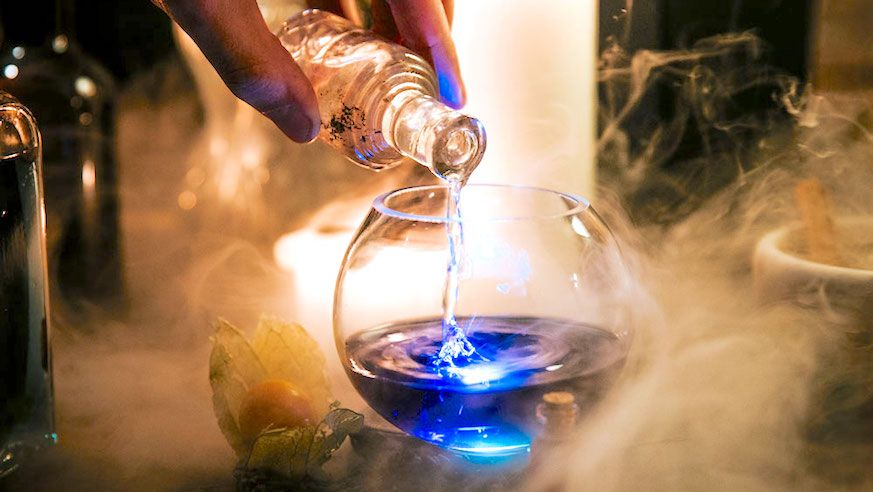 Everything You Need To Know About The Cauldron Nyc The Grown Up Potions Class Where You Make Cocktails And Summon B Potters Bar London Bars Molecular Mixology