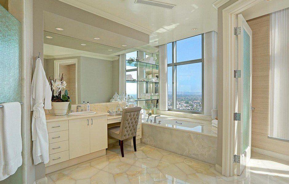 The 1 Big Reason Yolanda Hadid Is Reportedly Selling Her Swanky La Bachelorette Pad Kitchen And Bath Design Home Yolanda Hadid