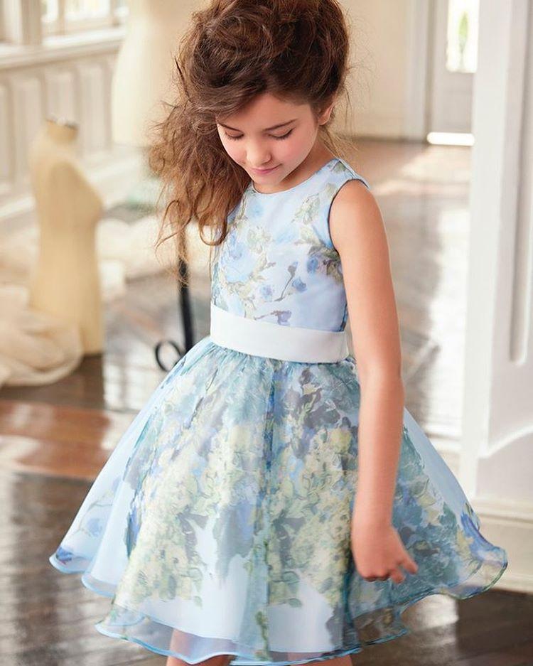 260efda7d112 Ver esta foto do Instagram de @patbo_official • 146 curtidas Little Girl  Outfits, Cute