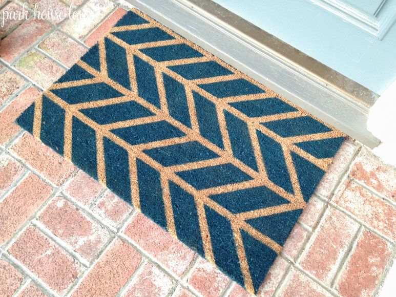 Spray Painted Door Mat She Used The One From Ikea But I Was Going To Try It Out On My Old Faded One Painted Rug Door Mat Diy Rug Hacks