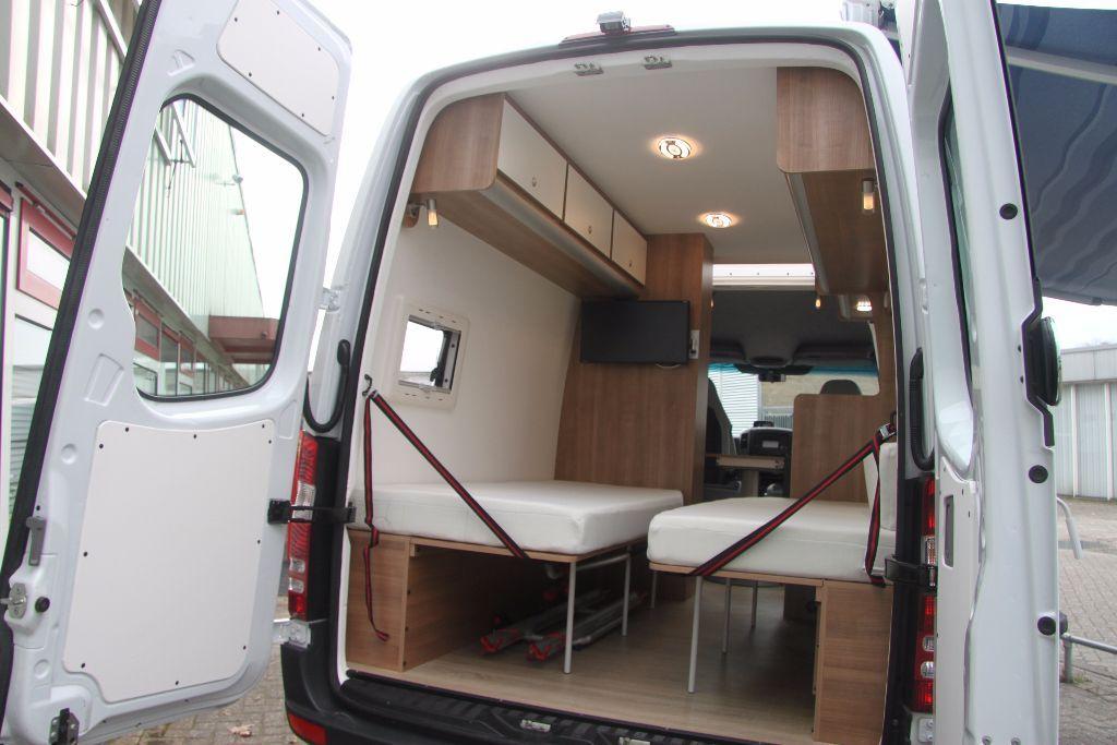 mercedes sprinter buscamper l2h2 automaat 2016 2013 afgeleverd van camion amenager. Black Bedroom Furniture Sets. Home Design Ideas