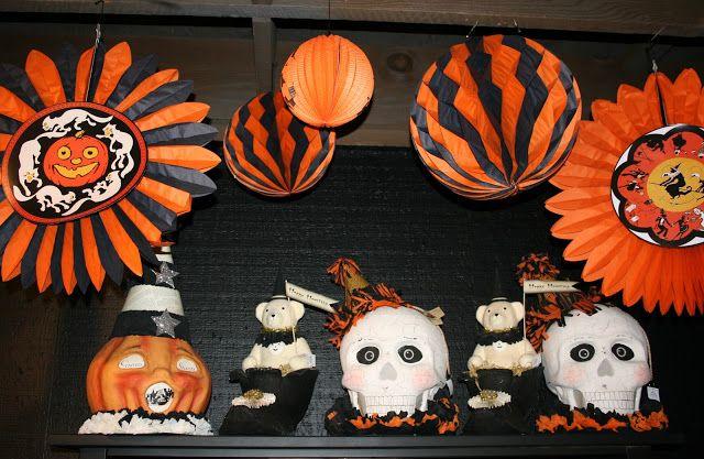 Halloween Display At Roger S Gardens Halloween Decorations